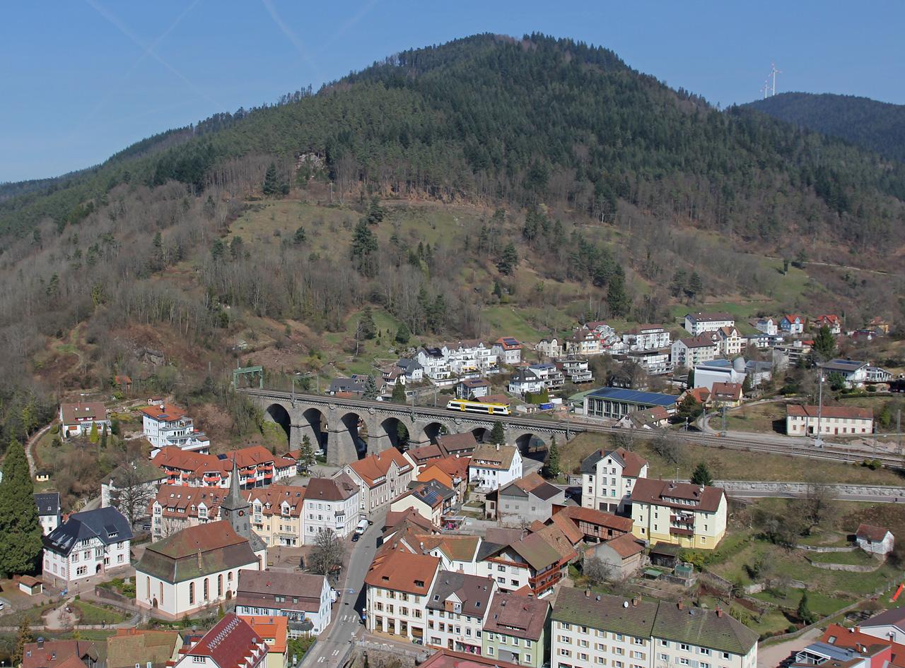 http://badische-schwarzwaldbahn.de/DSO/B60.jpg
