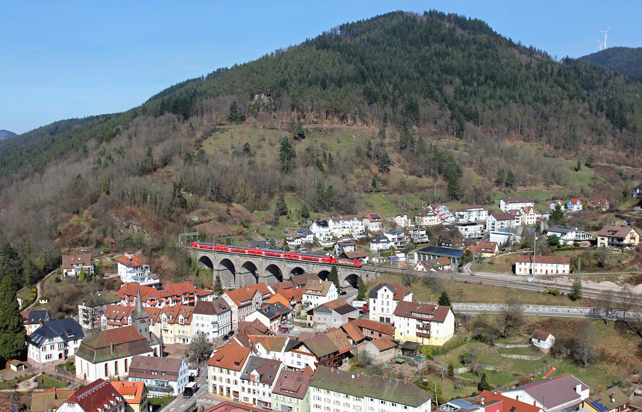 http://badische-schwarzwaldbahn.de/DSO/B63.jpg