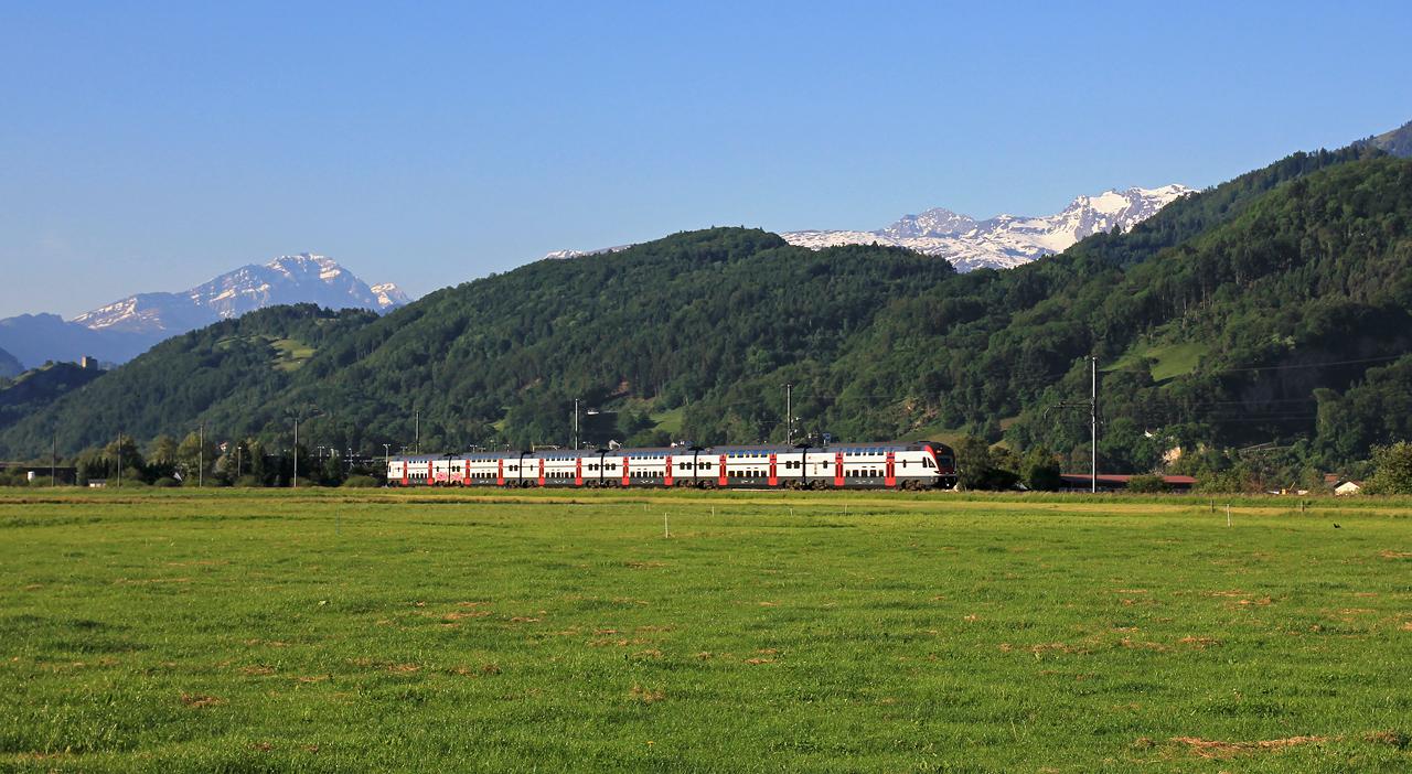 http://badische-schwarzwaldbahn.de/DSO/Z470.jpg