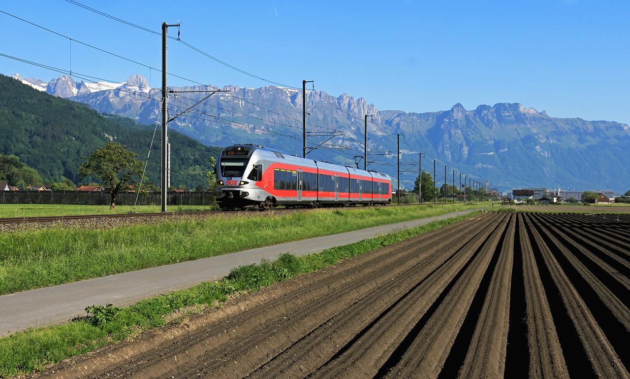 http://badische-schwarzwaldbahn.de/DSO/Z474.jpg