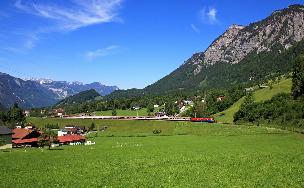 http://badische-schwarzwaldbahn.de/DSO/Z476.jpg