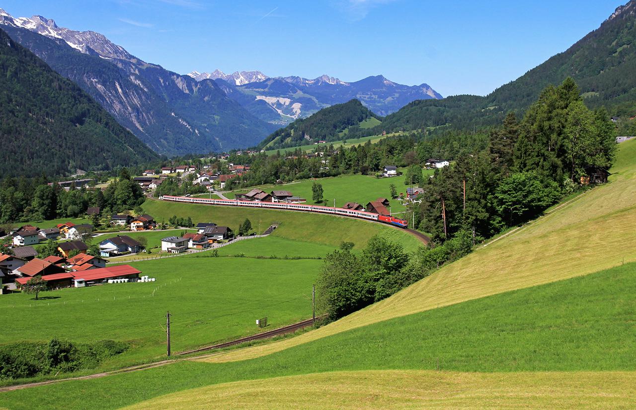 http://badische-schwarzwaldbahn.de/DSO/Z477.jpg