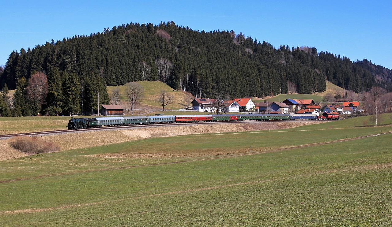 http://badische-schwarzwaldbahn.de/DSO/Z748.jpg
