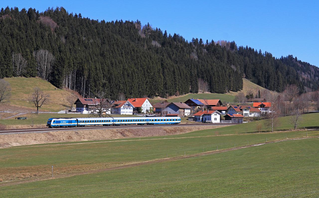 http://badische-schwarzwaldbahn.de/DSO/Z749.jpg