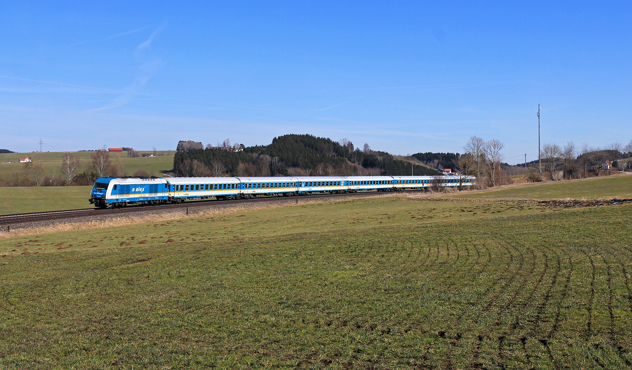 http://badische-schwarzwaldbahn.de/DSO/Z757.jpg