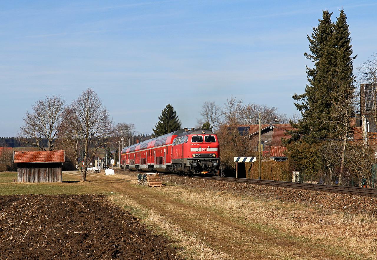 http://badische-schwarzwaldbahn.de/DSO/Z758.jpg